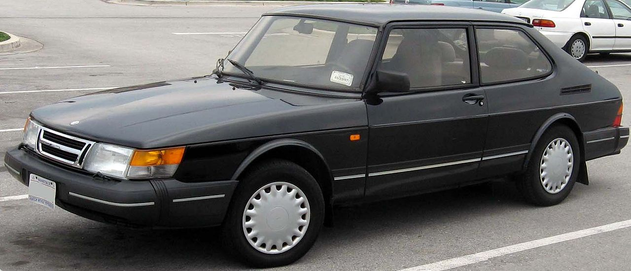 1280px-Saab-900-3door.jpg