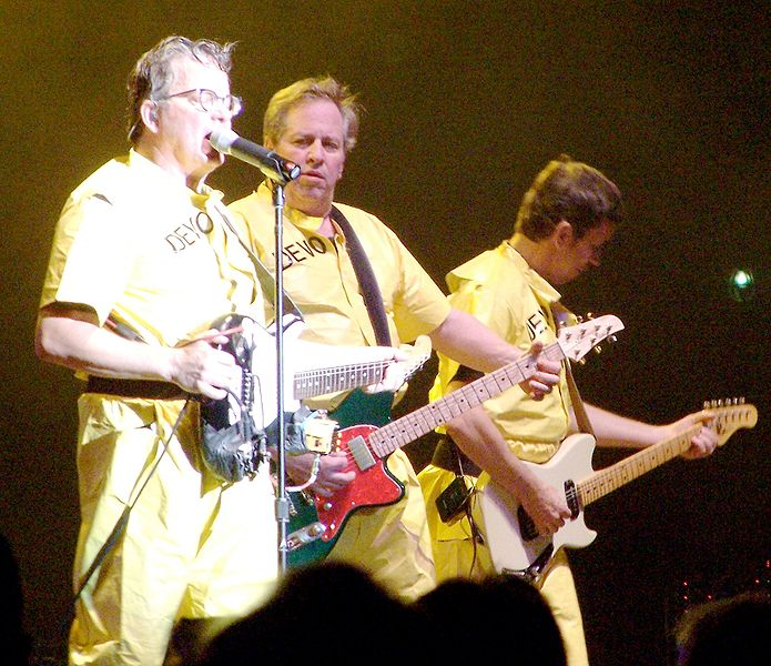 695px-DEVO,_Boston_6-27-08_crop.jpg