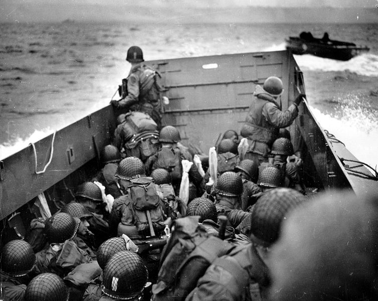 754px-Omaha_Beach_Landing_Craft_Approaches.jpg