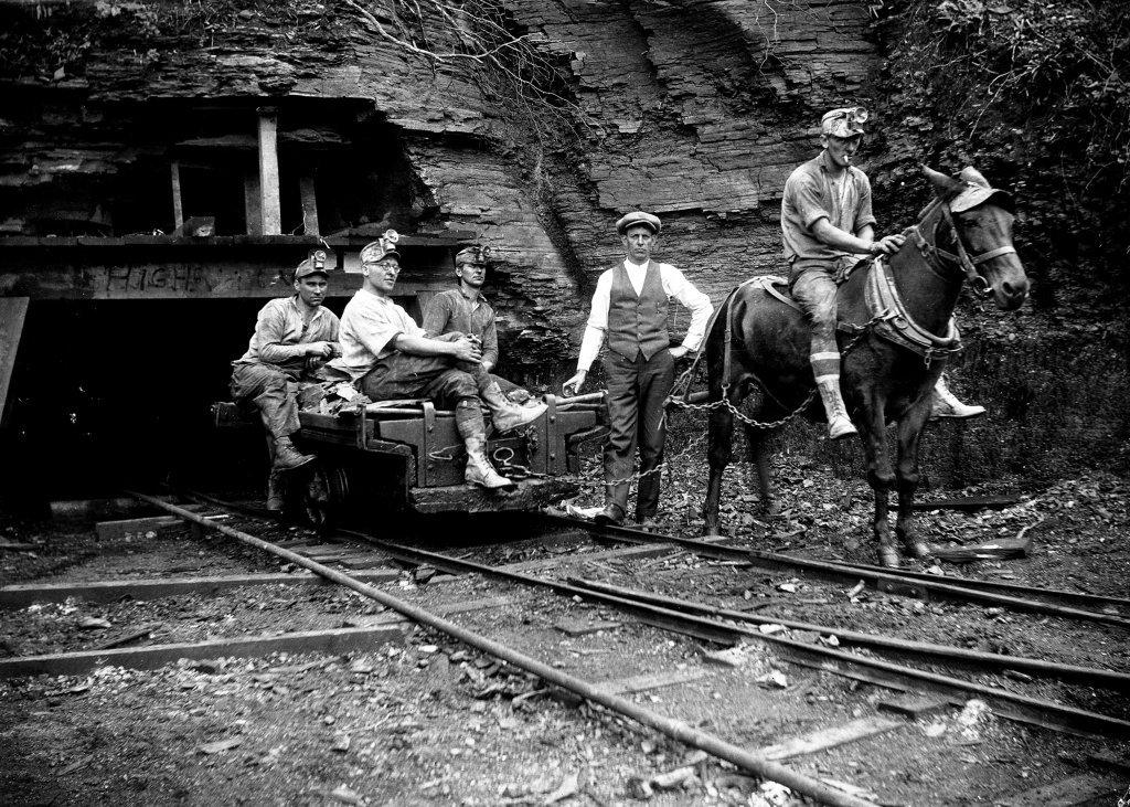 AAA  Early-Coal-Mining-Williams-River-WV-1930s.jpg