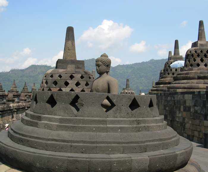 AsiaPacificJourneysIndonesia_Borobudur_large.JPG