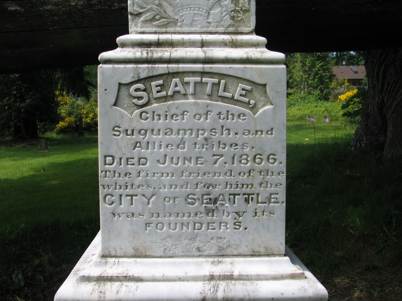 Chief_Seattle_tombstone.jpg
