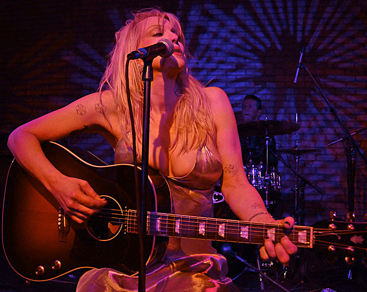 Courtney_Love_Sept_2013_NYC (1).jpg