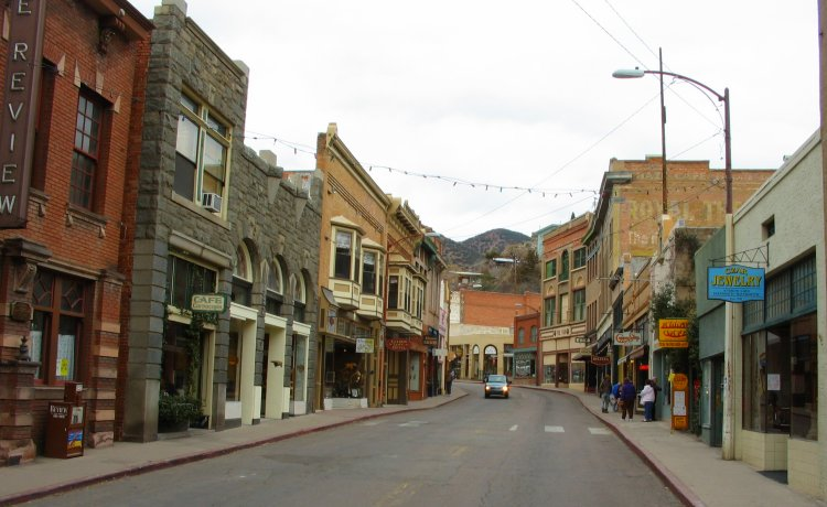 bisbee-arizonaStreet.jpg