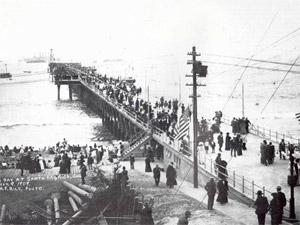 santa_monica_pier_opening_1909_art.jpg