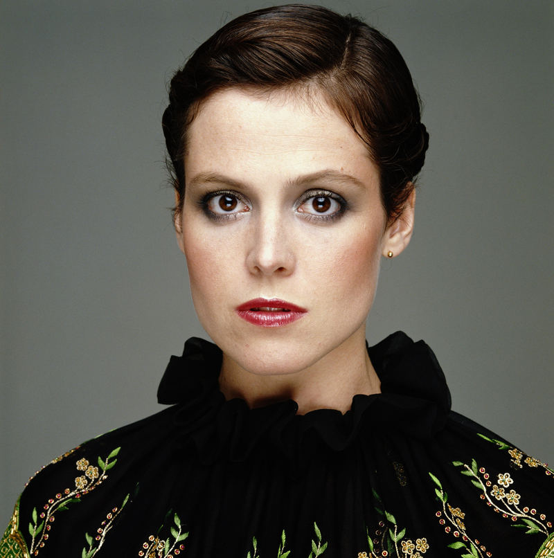 sigourney_weaver.550c4eb2bcd51fb3f313108a12073bb5.jpg
